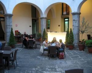 Ostelli a Salerno: ave-gratia-plena